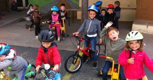 Activité vélos à l'accueil de loisirs Acti'Mômes de L'Herbergement