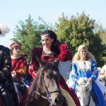 Fête Renaissance 2013 Défilé personnes chevaux