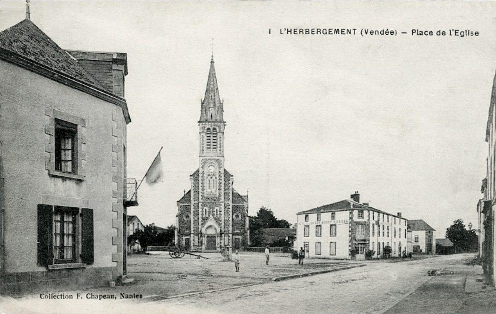 L'Herbergement Route de Montaigu et église